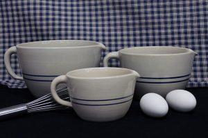 batter-bowls-blue-stripe