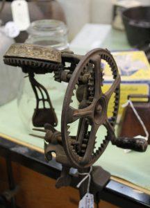 vintage-kitchen-gadgets-9